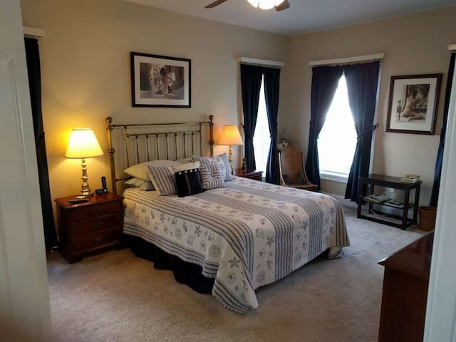 CC- Closest house - Master Bedroom-Queen new bed - Cleveland