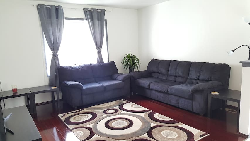 Glendale Heights Townhouse - Glendale Heights - Townhouse