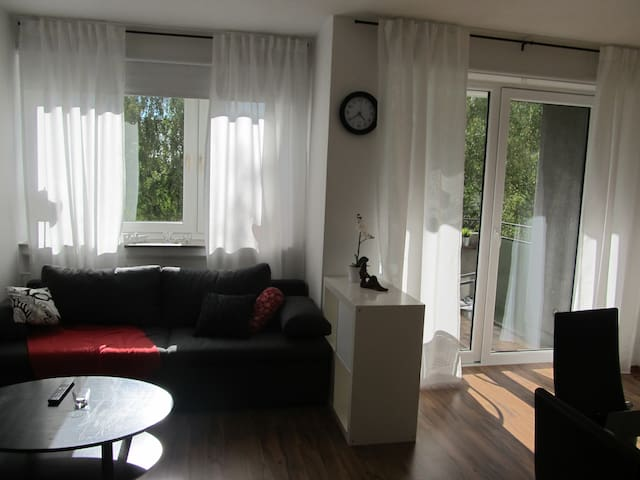 Lovely apartment close to exhibition-area (Messe) - Hanover - Apartament