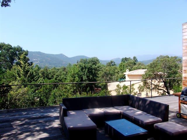 Villa Contemporaine à Pinarello - Zonza - Willa