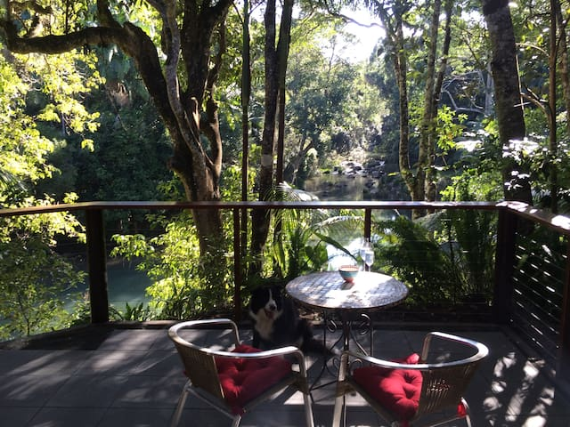 Anahata Waters: Beautiful cottage in a rainforest - Wilsons Creek - Hytte