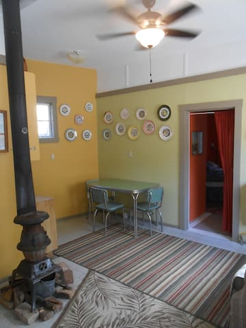 Rustic suite in historic area, walk to cafes - Bisbee - Hytte