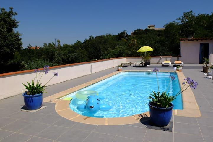Chambre indépendante avec piscine - Tordères