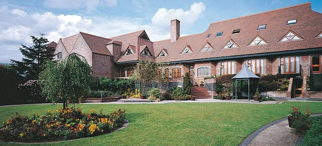 Luxurious privately owned Hotel - Templepatrick