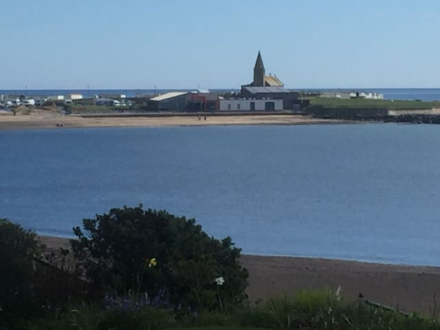 Sea front accommodation with bay view. - Newbiggin by the sea - Hus