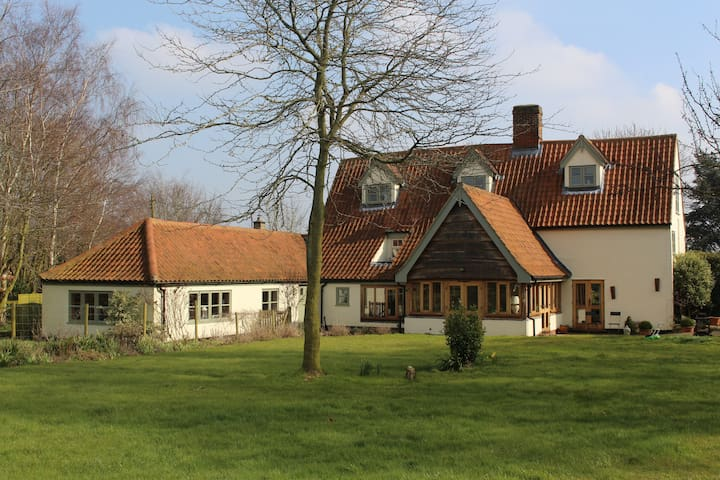 Gorgeous Gateway to the Broads. Farmhouse Annexe! - Beccles