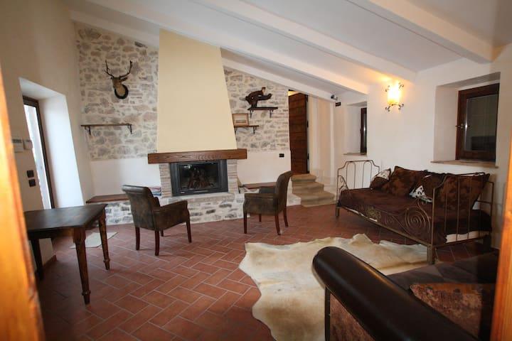 A stone walling Villa near Rome - Scandriglia - Villa