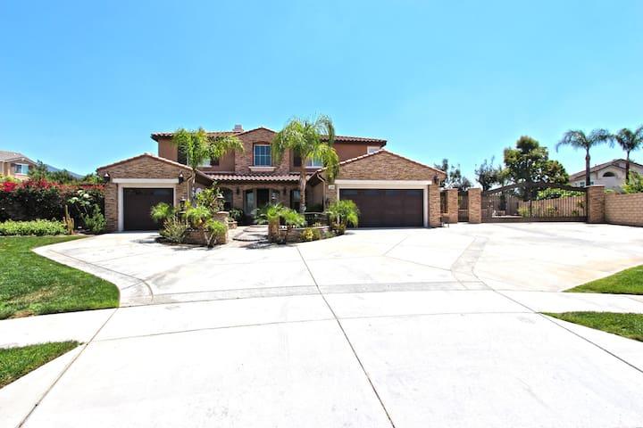 Beautifully Upgraded Home with Huge Yard - 庫卡蒙格牧場(Rancho Cucamonga)