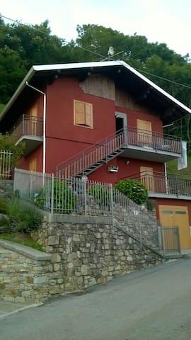 Appartamento in villino di montagna - Casargo - Leilighet