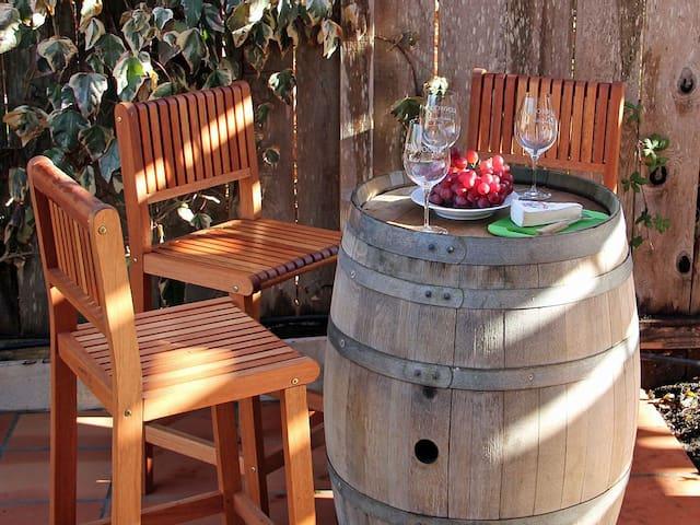 Spa, Bocce, BBQ Kitchen, Wineries - Kenwood