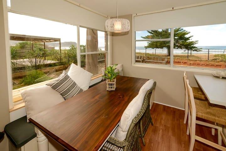 Avoca Beach Beachfront Unit - Avoca Beach - Apartament