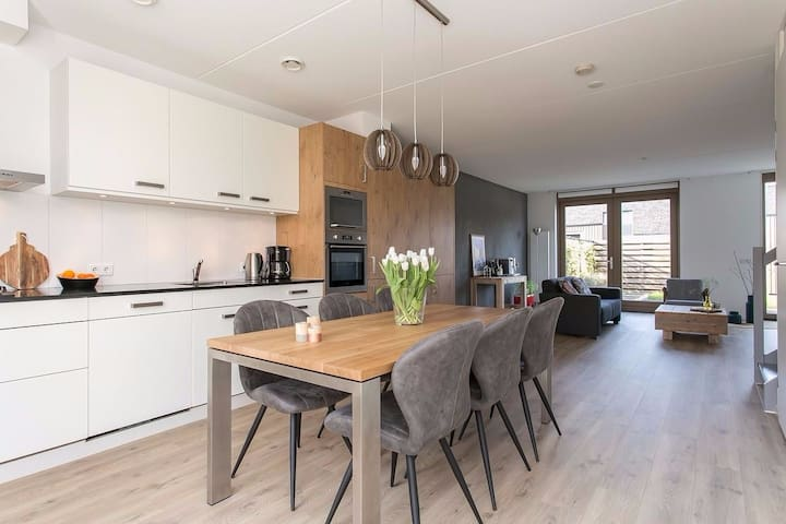 Private Room with Two beds - Groningen - Rumah