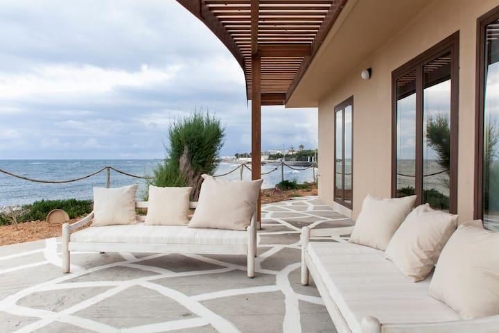 Villa Kouvohori  Seafront 5 Bedrooms - Βαθειανος Κάμπος - Casa
