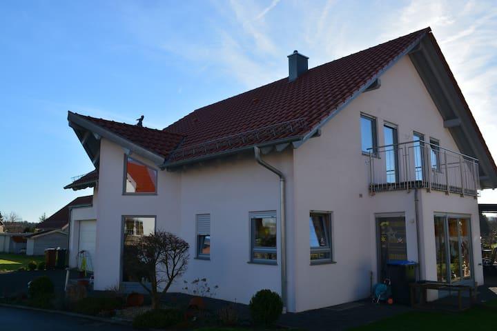 Exklusives Ferienhaus im Luftkurort - Wüstenrot - Hus