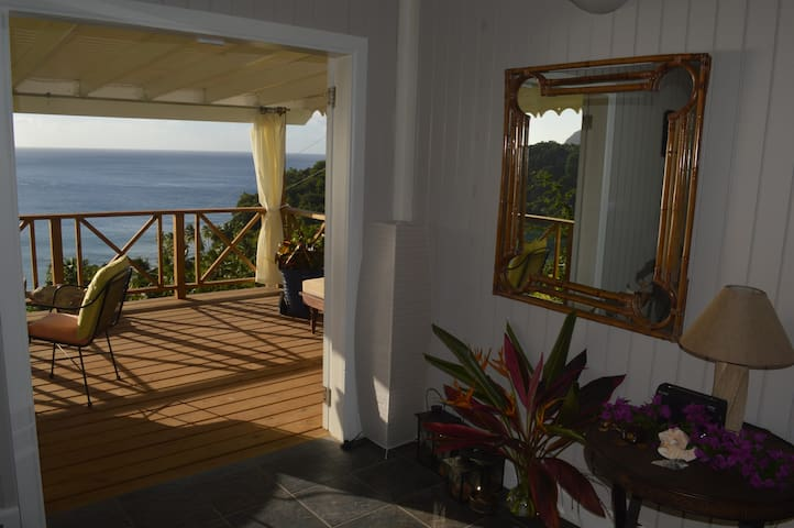 Coconut Cottage - Wonderful style, fabulous view - Portsmouth - Casa