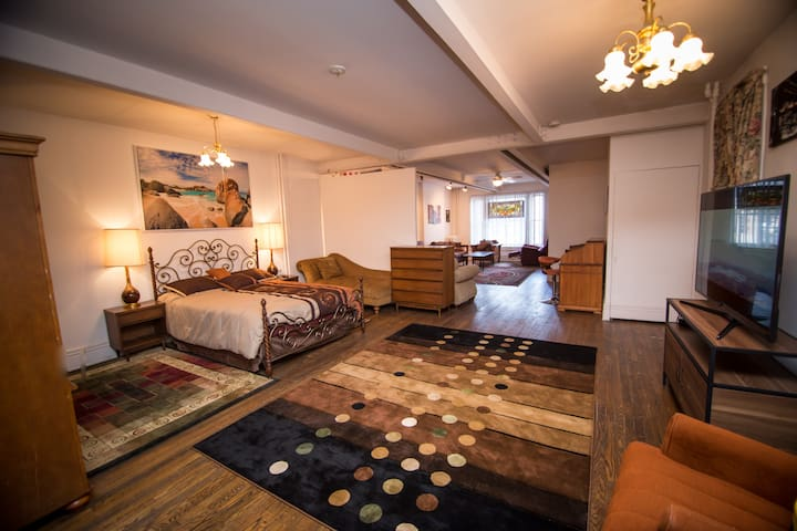 Entire house-studio in the heart of Center SQ ALB - Albany - Byt