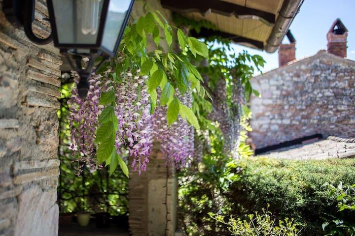 Umbria Spoleto messenano's Castle - Messenano - Maison