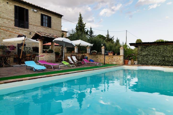 Beautiful apartment with pool - Località Sant'Andrea a Montecchio - Apartamento