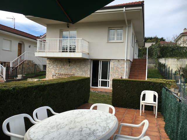 Casa y txoko ideal para familias - San Mamés de Meruelo - Ev