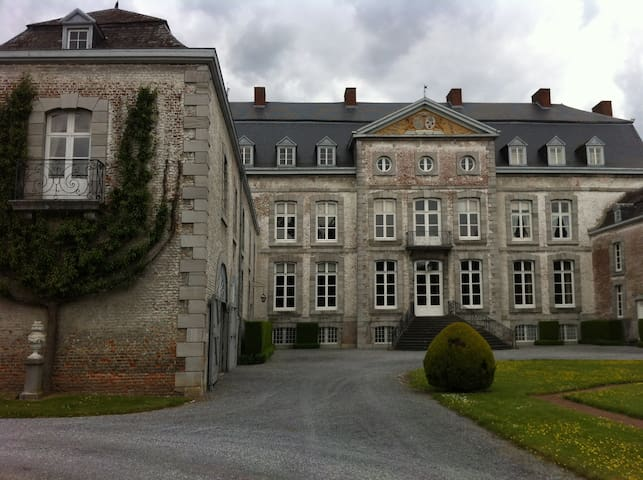 Chateau de Waleffe {left wing } - Faimes - Castle