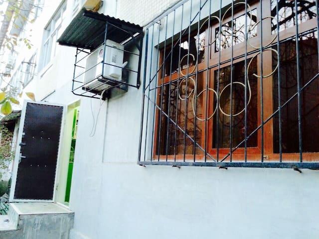 $25 PRIVATE APARTMENT IN TASHKENT!! - Tashkent - アパート