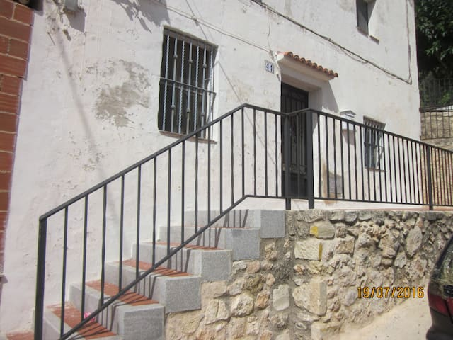 Apt 1; Self catering within a house - Cocentaina