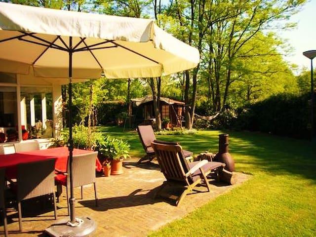 Vakantiehuis 'De Bonte Specht' met sauna - Holten