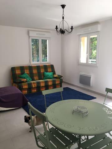 Appartement (T2) très calme - Villedieu-les-Poêles - Leilighet