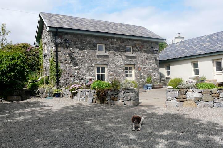 The Old Stone Barn - Clonbur