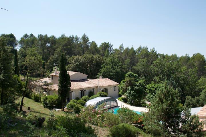 Maison d'hôtes à Flayosc, entre mer et Verdon. - Flayosc - Oda + Kahvaltı