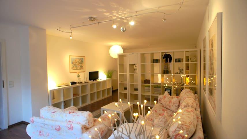 Modern und gemütliches Appartement - Bretzfeld - Departamento