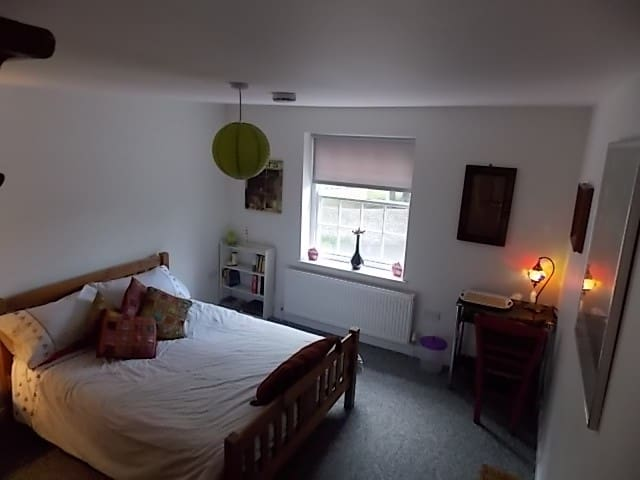Lovely, spacious double room  - Southwick