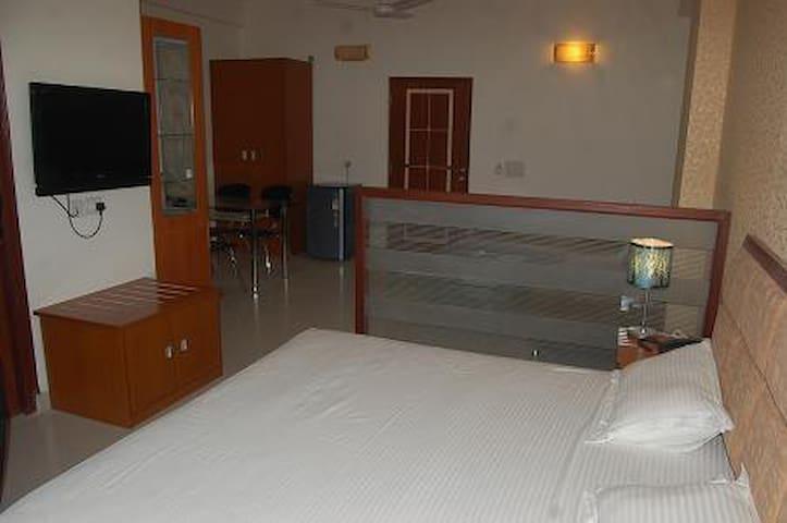 Excellent studio with all amenities - Vrindavan - Leilighet