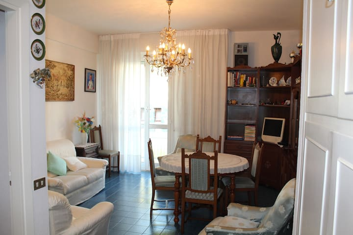 Arenzano - Flat with a very good position - Arenzano