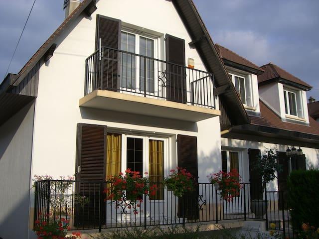 Grande maison indépendante pour 8 personnes maxi - Chevilly-Larue - 一軒家