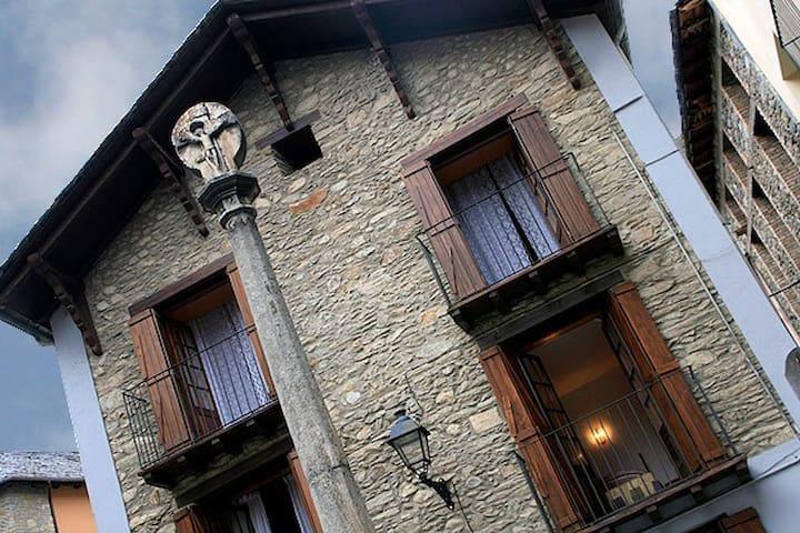 Casa l'Oficial - Esterri d'Àneu - Ev