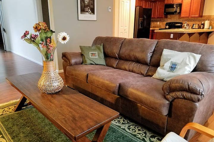Cozy Home for Family and Biz Travelers Near SEATAC - Auburn - Casa