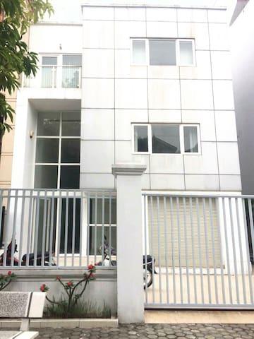 Modern 3 stories villa- 3 bedrooms - Hai phong - Villa