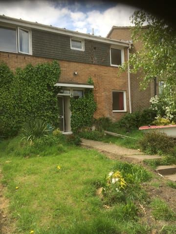 Family retreat, 4 bedrooms, option to house 8-10 - Bournemouth - Maison