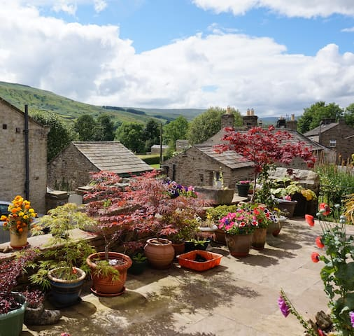 Spacious ensuite room with scenic Swaledale views - Gunnerside - Talo