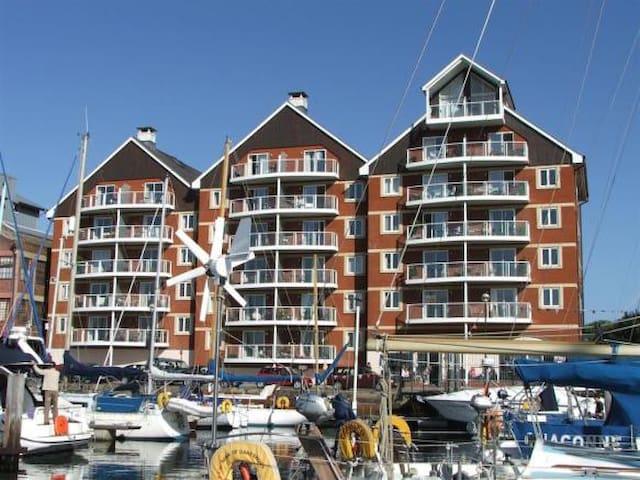 Luxury Apartment With Marina Views - Ipswich - Departamento