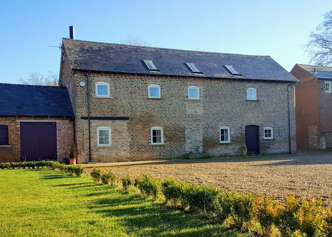 Luxuriously Converted Barn - Stapleford