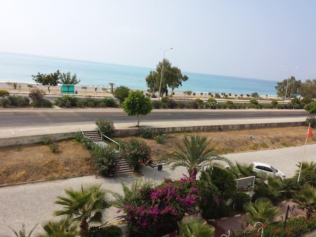 Denize 50 MT. Tatil Sistesi - Beymelek