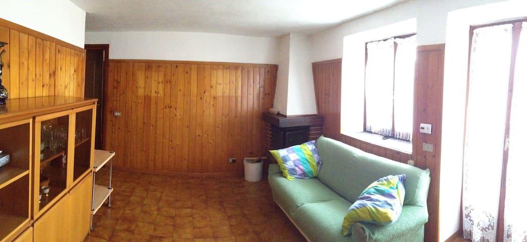 Appartamento indipendente, giardino - Montegrino - Hus