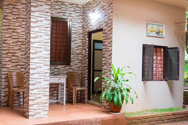 GUEST HOUSE  at the best spot - Anjuna - Chatka