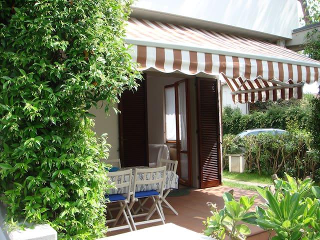 Relax Cinquale Forte dei Marmi Apuane - Capanne-Prato-Cinquale
