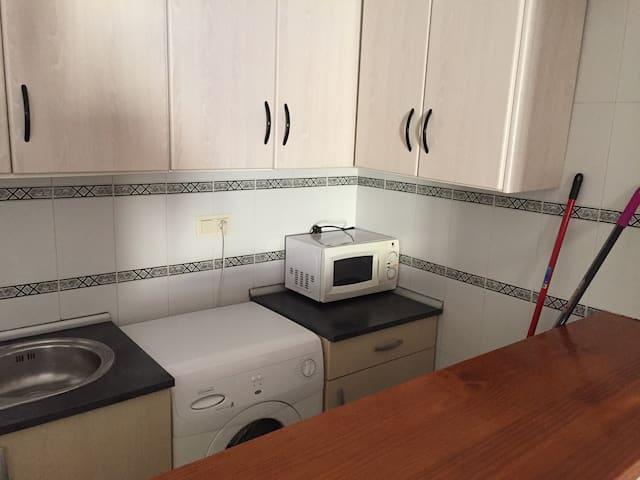 Habitacion Privada en un piso centrico de Motril - Motril - Departamento