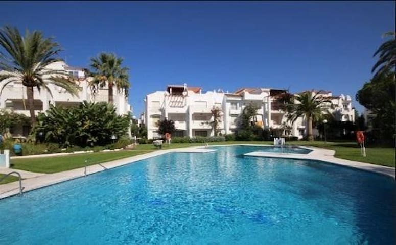 Beach side with pool and gardens - Playa del Sol Villacana - Lejlighed