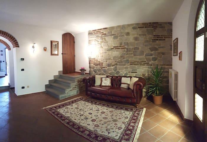 Casa Leonardo vicino a Firenze Prato e Pistoia - Quarrata - 一軒家