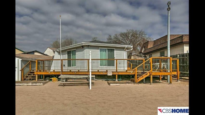 Lakeside Cabin-15 min from Downtown - Bellevue - Talo